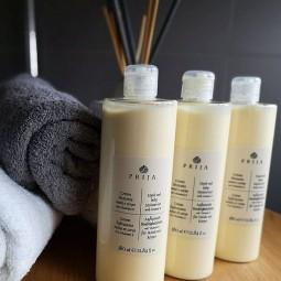 Balsam do ciała z żeń-szeniem w komplecie, ekskluzywny kosmetyk hotelowy, włoski - Prija, 3x380 ml.